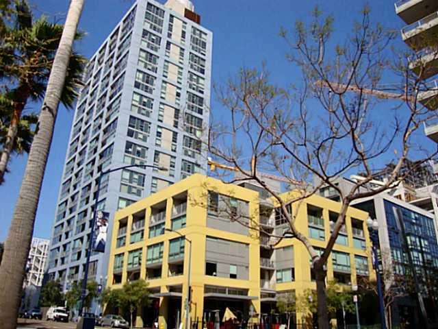 For Rent at Icon – Furnished Corner Condo